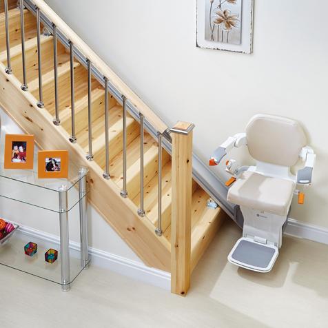 Stoličkový výťah na schodisku