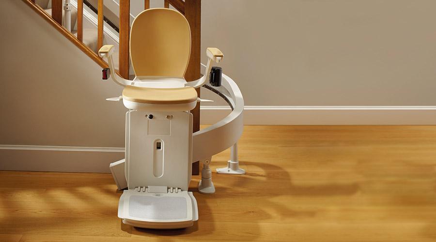 Acorn stoličkový výťah pre imobilných